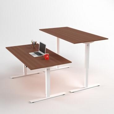 hoej-och-saenkbart-skrivbord-vitt-stativ-och-valnoet