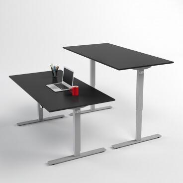 hoj-och-sankbart-skrivbord-silver-stativ-och-svart-skiva
