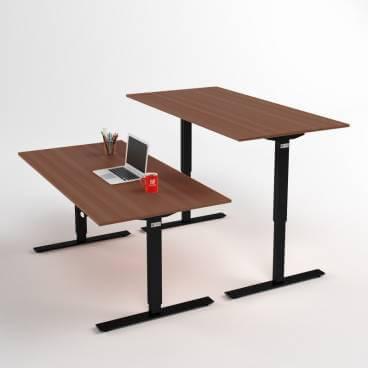 hhoej-och-saenkbart-skrivbord-svart-stativ-och-valnoetskiva